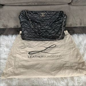 Authentic Chanel Large Black Lambskin Bag🖤